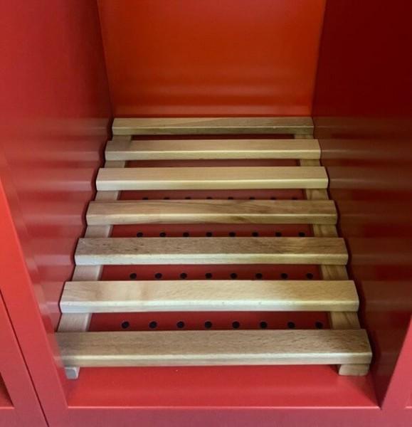 Holzschuhrost lackiert